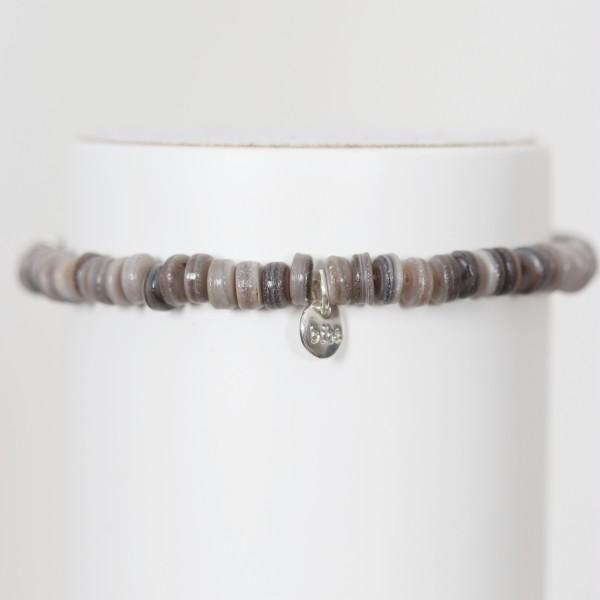 Biba Perlenarmband taupe grau braun Plättchen