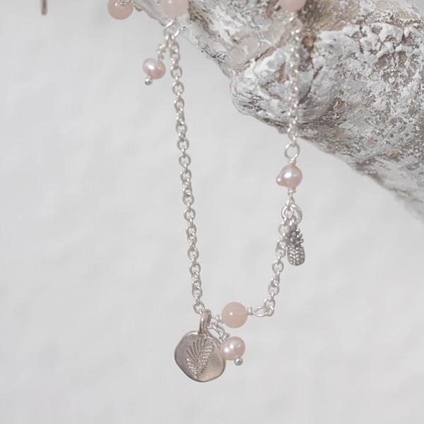 Hultquist Kette silber mit kleinen Perlen rosa PALM TREE