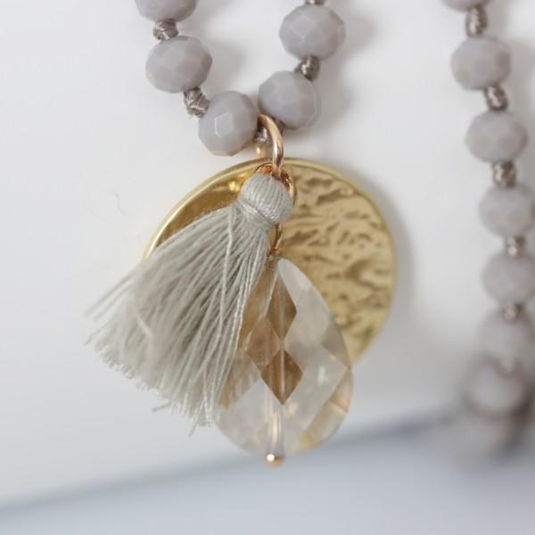 Biba Perlenkette grau matt mit goldenem Plättchen Quast und Perle