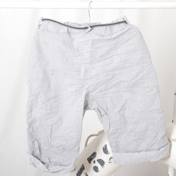 Baumwolle Stretch Shorts mit Bindegürtel in hellgrau