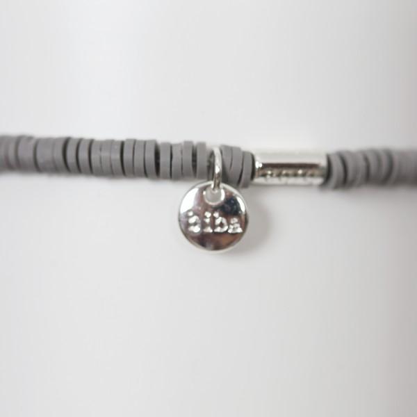 Biba Perlenarmband grau Plättchen