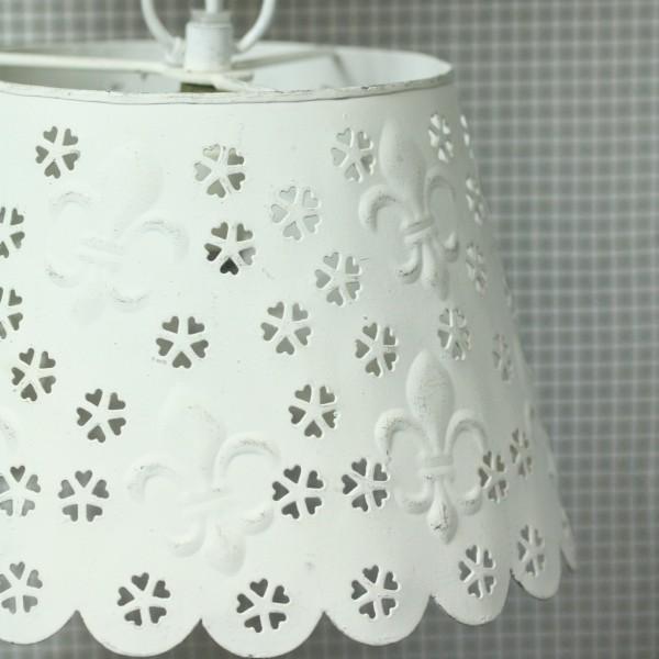 Kleine Hängelampe weiß mit Blüten