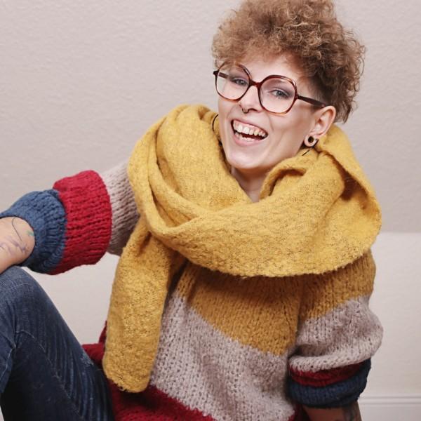 Pullover Colour Block Design